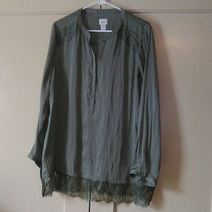 Chico's grey LS blouse. Large. #104